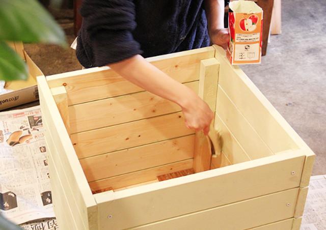 ペイントで家具を綺麗にするならリメイクに最適な安心・安全のペンキ「ROOMBLOOM」