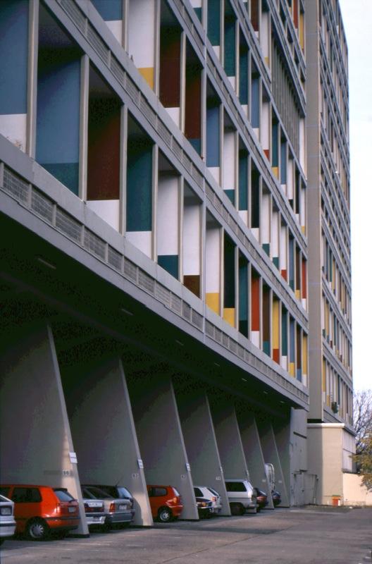 13.色から暮らしを考える ~近代建築の色 人工か自然か