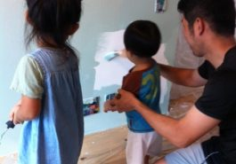 rblife_withchildren_painting with papa
